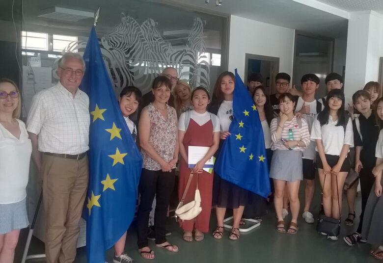 Corée du Sud - Europe - l'ILCF jette un pont entre deux continents - 2017 - rencontre entre les étudiants de l'Université coréenne de SOGANG et Madame Sylvie Guillaume, Vice-Présidente du Parlement Européen